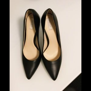 Cole Haan Emery Black Pumps